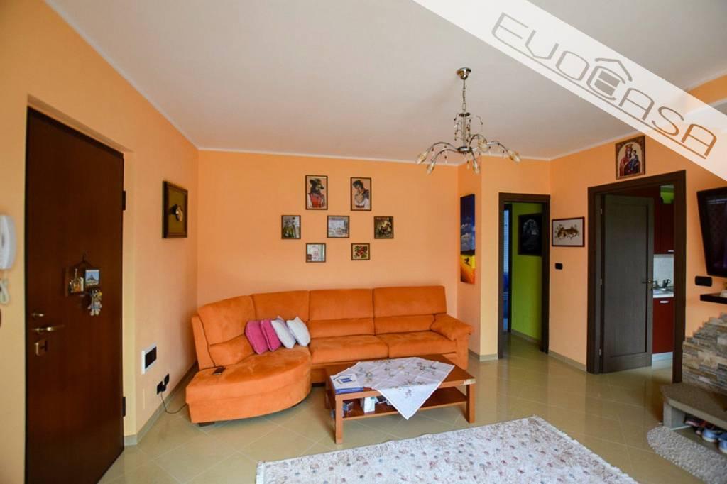 Appartamento in ottime condizioni in vendita Rif. 7834359