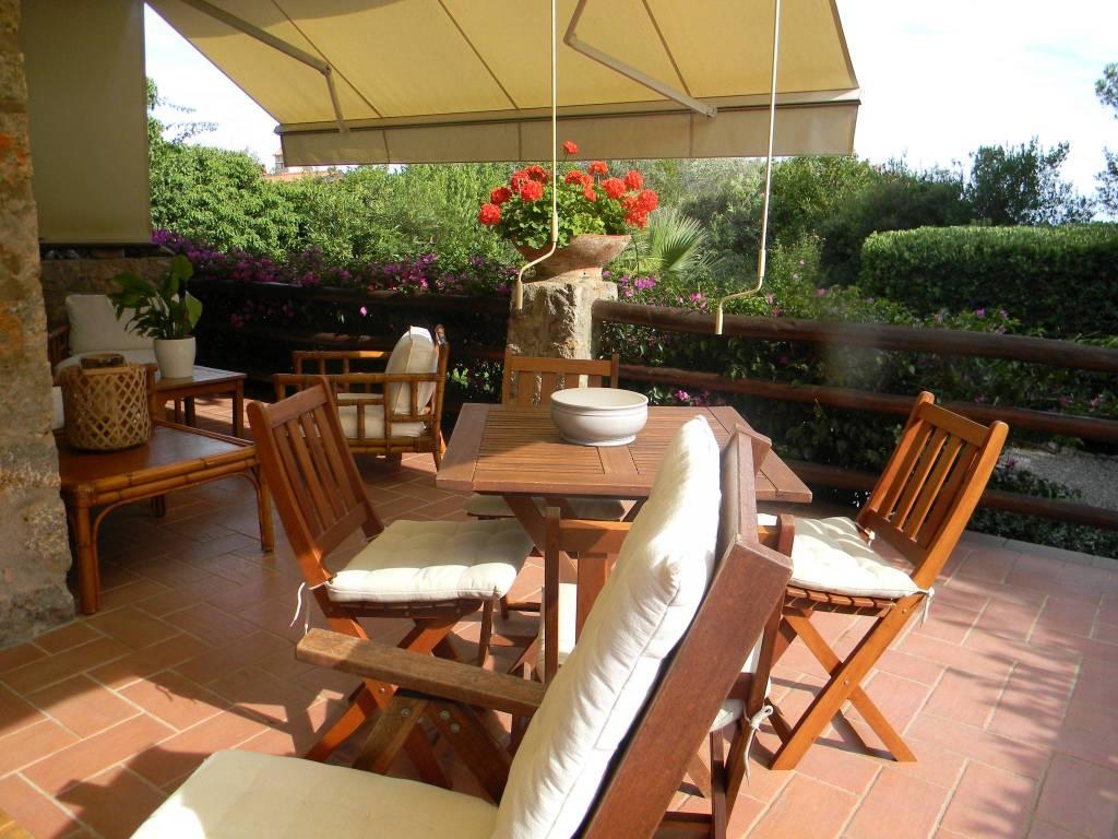 Villa in ottime condizioni parzialmente arredato in vendita Rif. 7834536