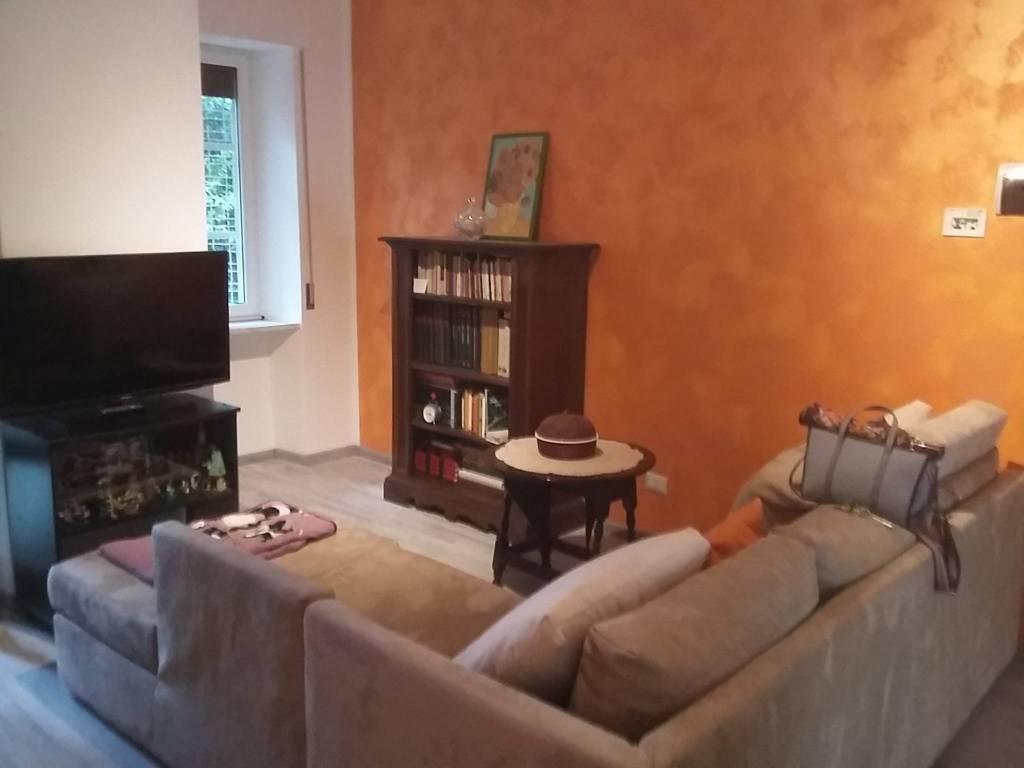 Appartamento in ottime condizioni parzialmente arredato in vendita Rif. 7832171