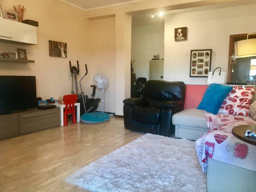 Appartamento in ottime condizioni arredato in vendita Rif. 7836822