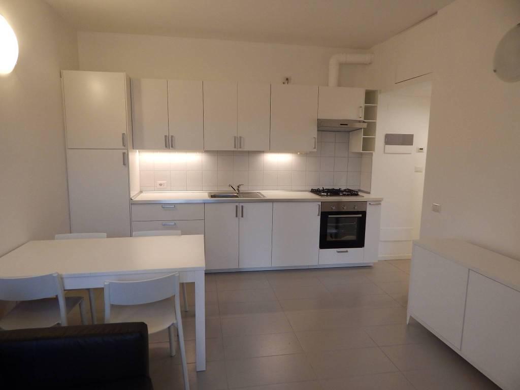 Appartamento in ottime condizioni arredato in affitto Rif. 7834448