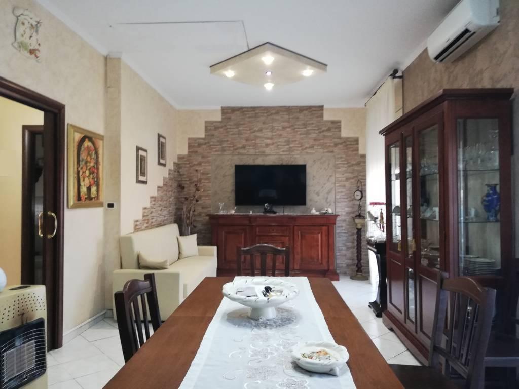 Appartamento in ottime condizioni in vendita Rif. 7833901