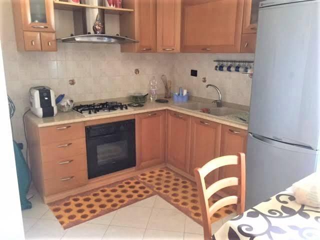 Appartamento in ottime condizioni arredato in affitto Rif. 7836526