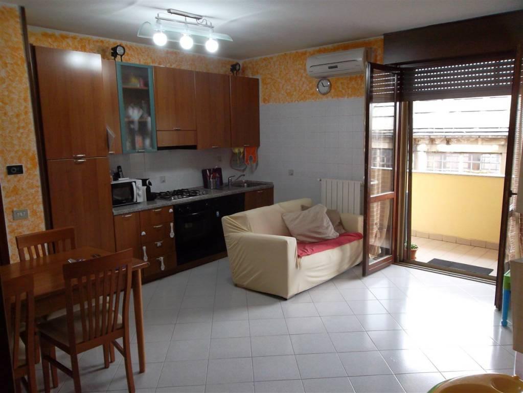 Appartamento in ottime condizioni parzialmente arredato in vendita Rif. 7833372