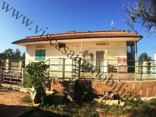 Villa in buone condizioni in vendita Rif. 7832470
