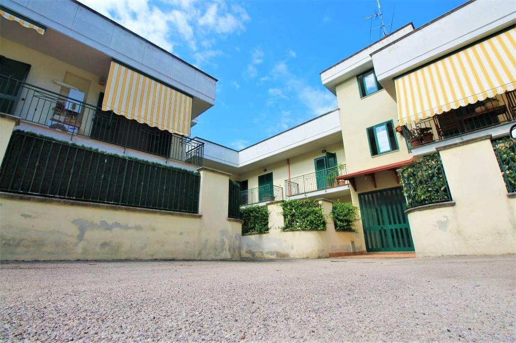 Appartamento in buone condizioni in vendita Rif. 7835287