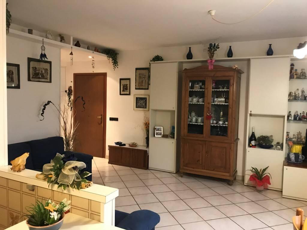 Appartamento in ottime condizioni in vendita Rif. 7834525