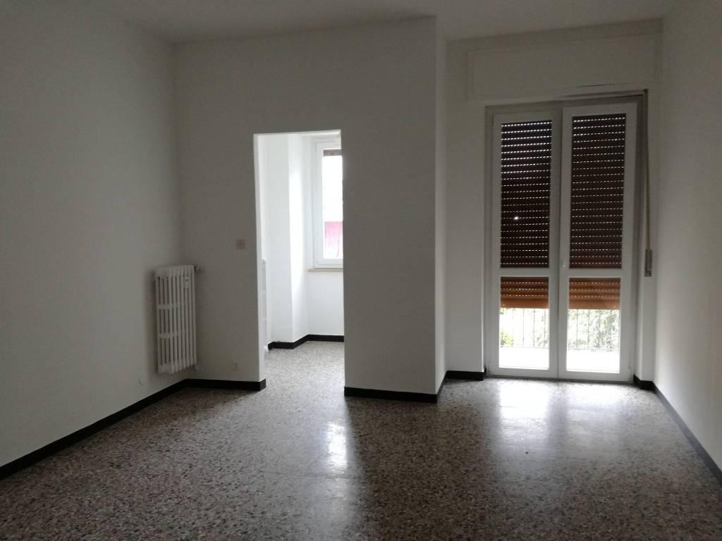 Appartamento in buone condizioni in affitto Rif. 5165882
