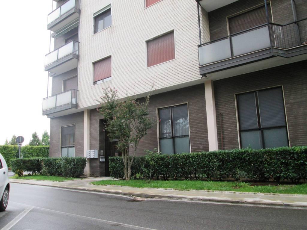 Appartamento in buone condizioni parzialmente arredato in vendita Rif. 7832889
