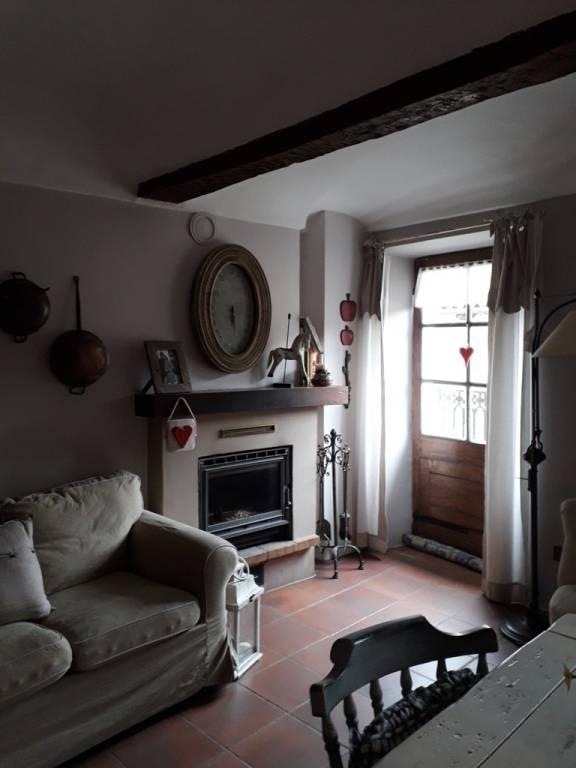 Stabile / Palazzo in buone condizioni in vendita Rif. 9482776