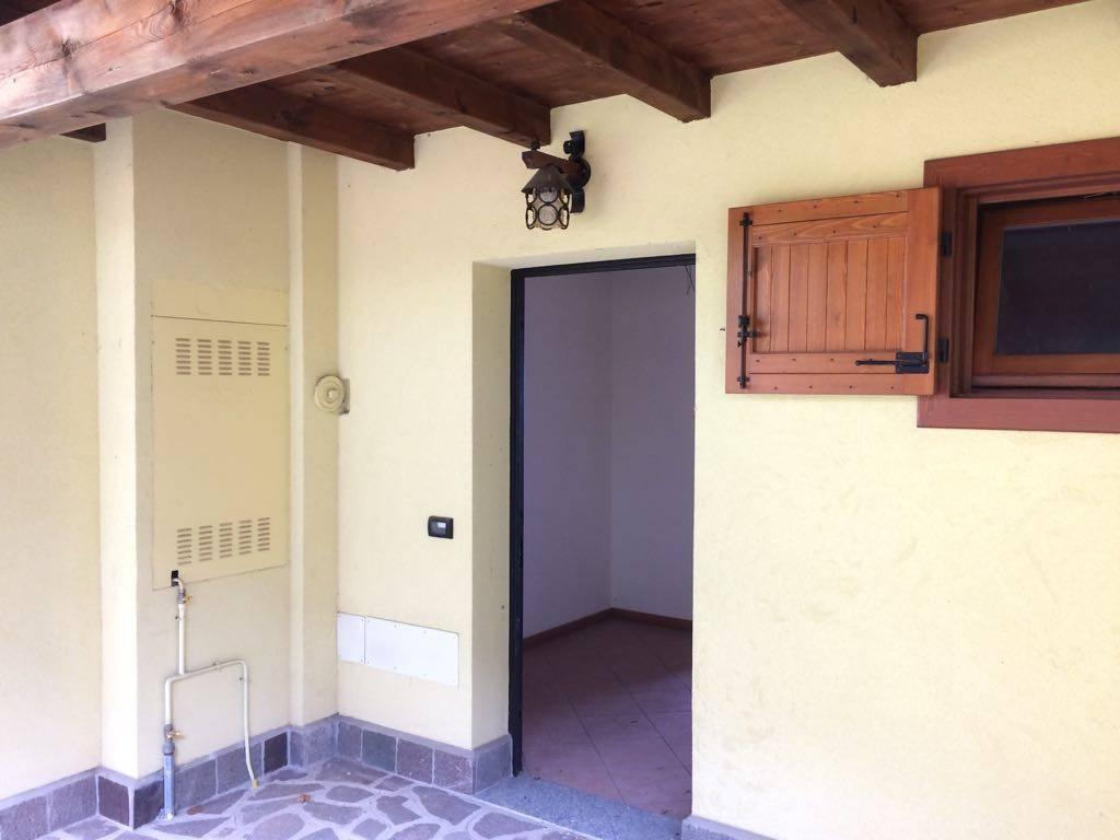 Appartamento in ottime condizioni in vendita Rif. 7834498