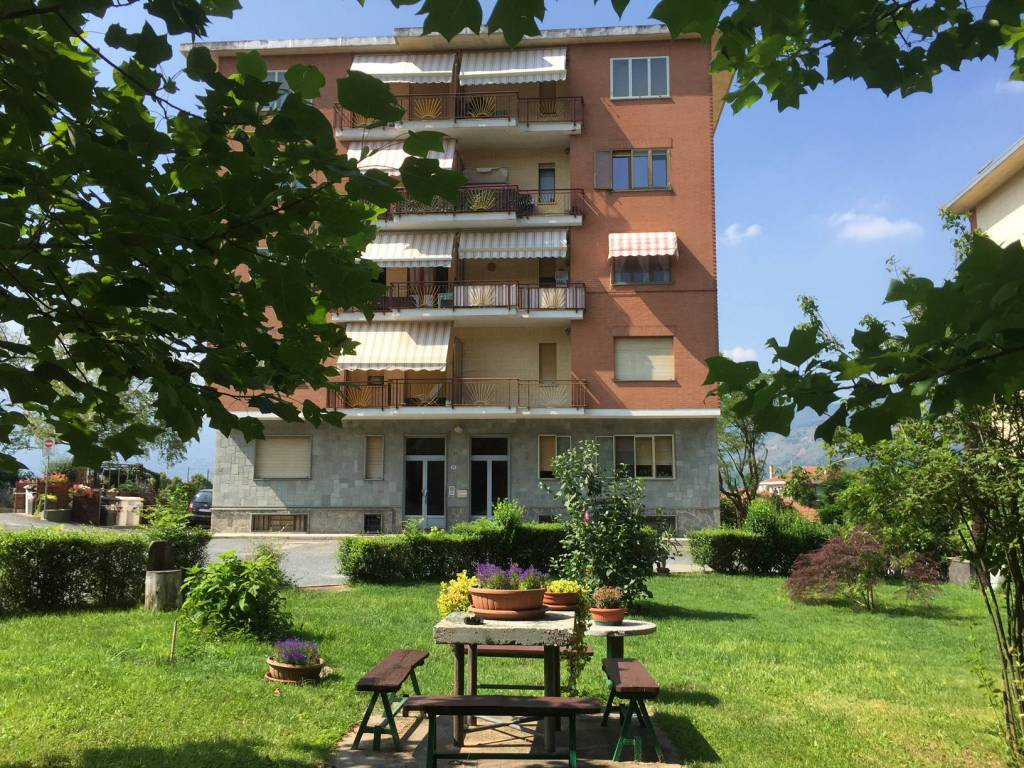Appartamento in buone condizioni in affitto Rif. 7834207