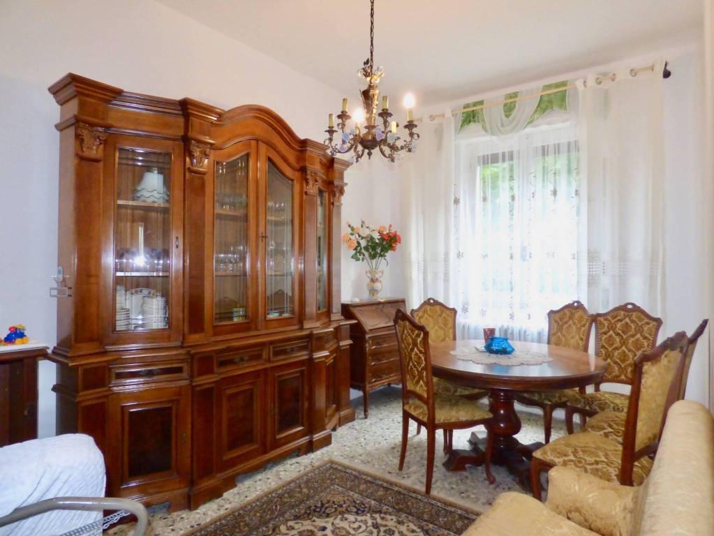 Appartamento in buone condizioni in vendita Rif. 7832382