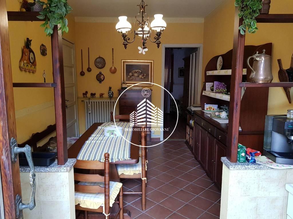 Appartamento in buone condizioni arredato in affitto Rif. 7758162