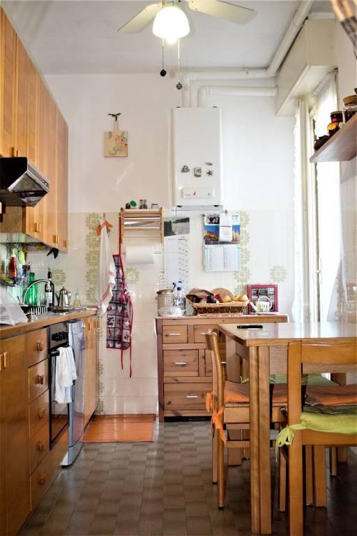 Appartamento in buone condizioni parzialmente arredato in vendita Rif. 7846392