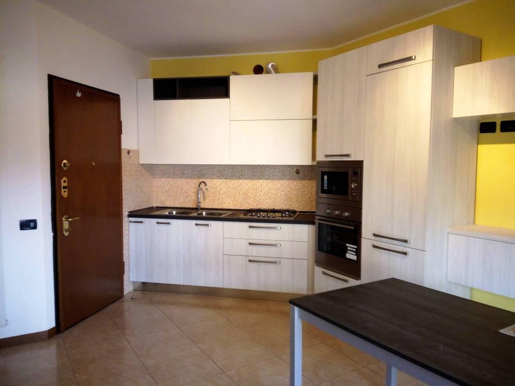 Appartamento in ottime condizioni arredato in affitto Rif. 7846061