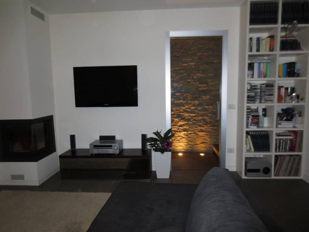Appartamento in buone condizioni in vendita Rif. 7845078