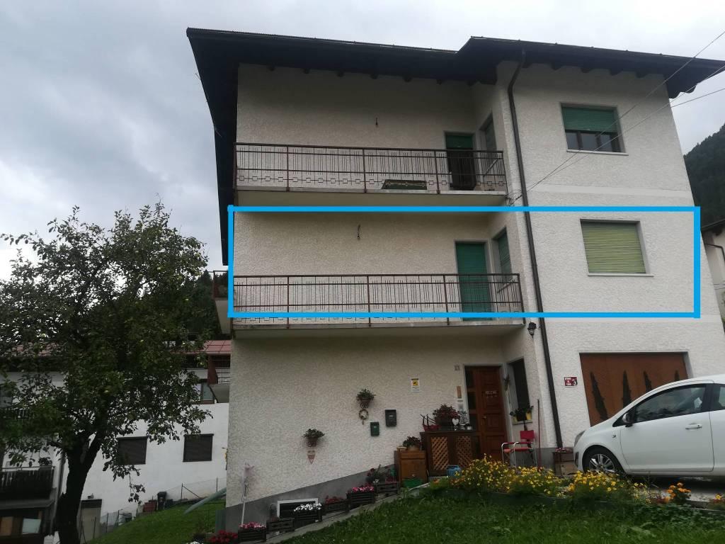 Appartamento al piano primo, con giardino