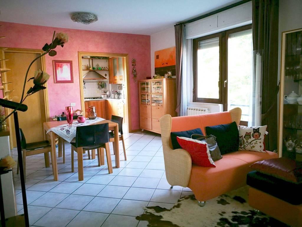 Appartamento in ottime condizioni in vendita Rif. 7845177