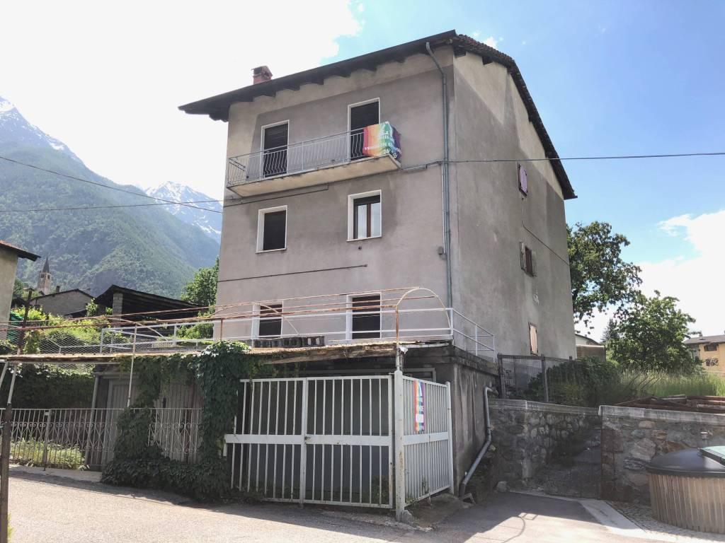 Foto 1 di Palazzo / Stabile Località Surpian, Saint Marcel