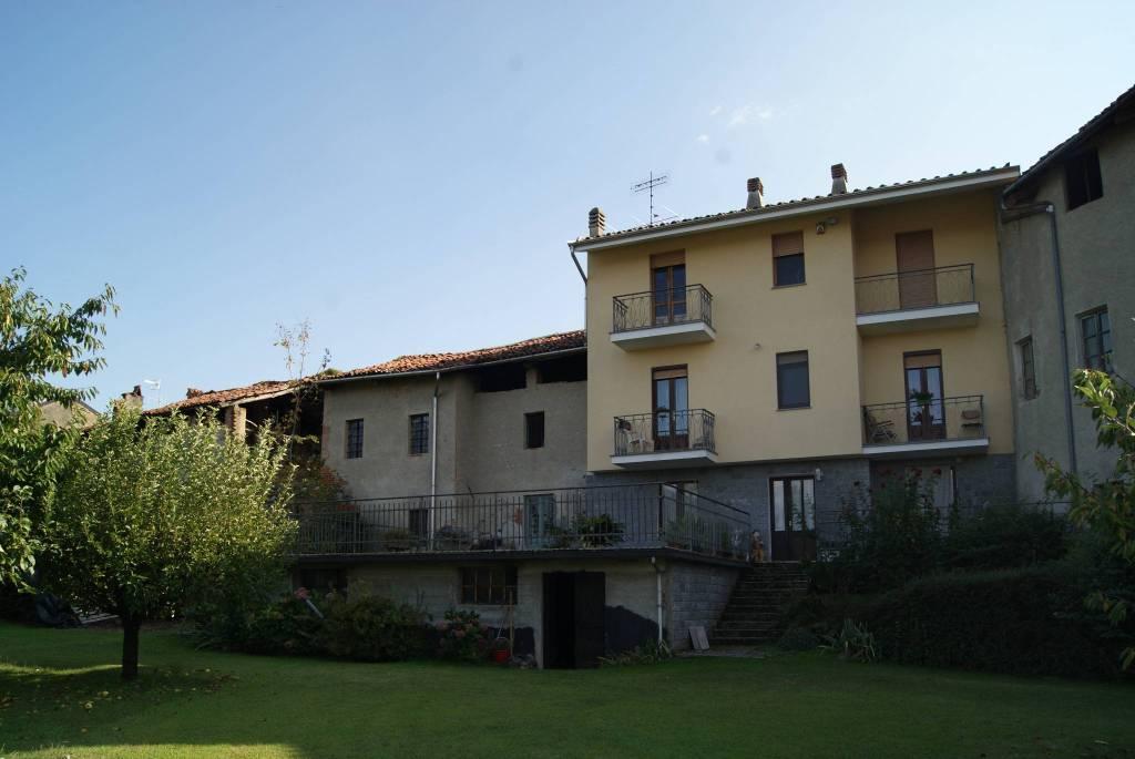 Foto 1 di Casa indipendente via Umberto, Perosa Canavese