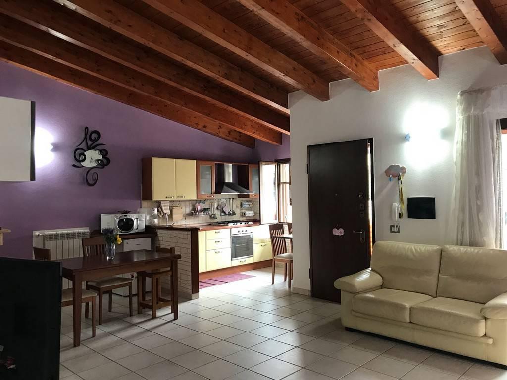 Villetta a schiera in ottime condizioni in vendita Rif. 8268483