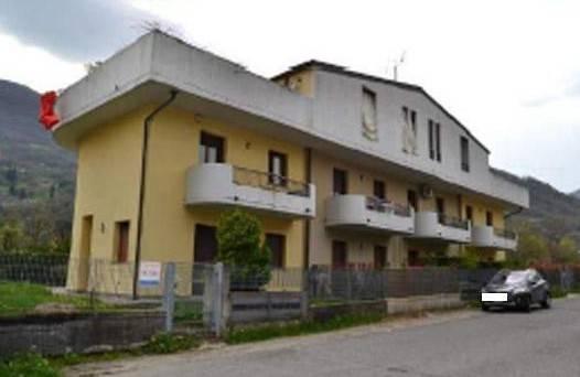 Appartamento in buone condizioni in vendita Rif. 7851223