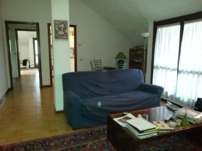 Appartamento in buone condizioni arredato in affitto Rif. 7848347
