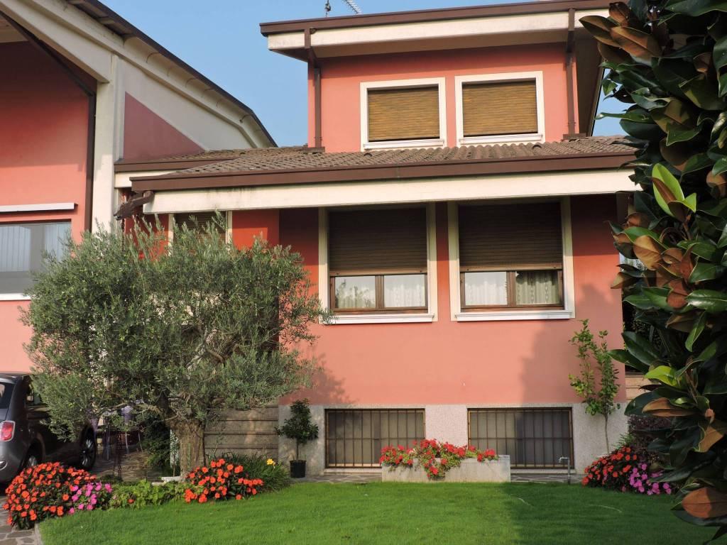 Villa a Schiera in vendita a Poncarale, 5 locali, prezzo € 295.000 | CambioCasa.it