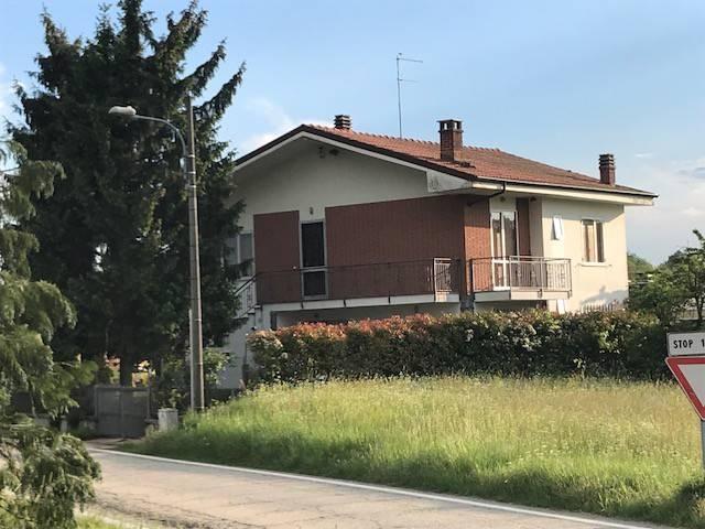 Villa in vendita a Moriondo Torinese, 4 locali, prezzo € 100.000 | CambioCasa.it