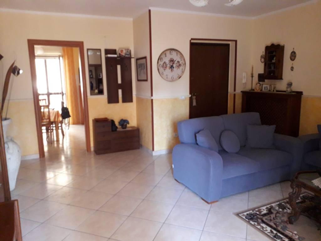 Appartamento in buone condizioni in vendita Rif. 7849192