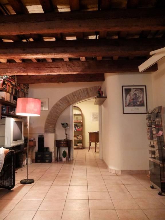 Appartamento in ottime condizioni in vendita Rif. 8851231