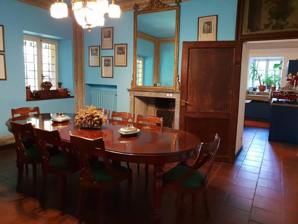 Stabile / Palazzo parzialmente arredato in vendita Rif. 7848429