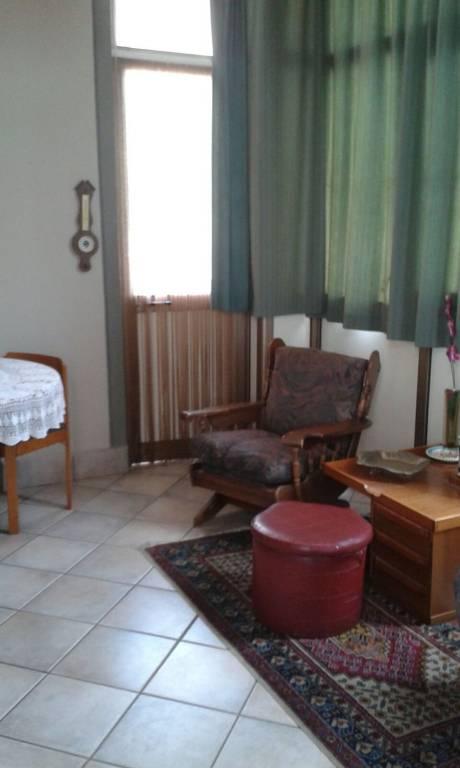 Appartamento in buone condizioni in vendita Rif. 8608012