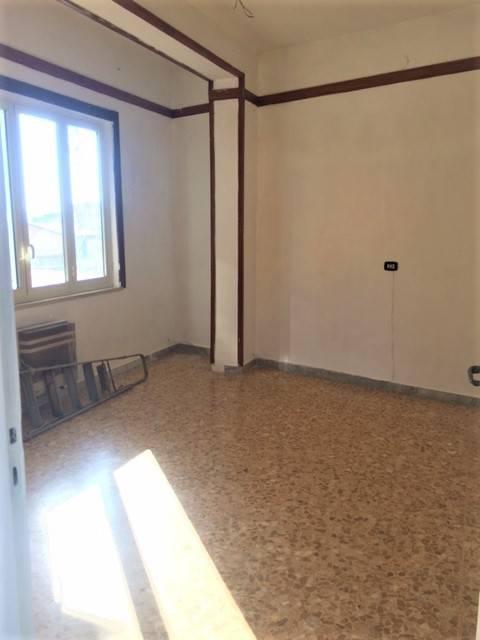 Appartamento in buone condizioni in affitto Rif. 7858934