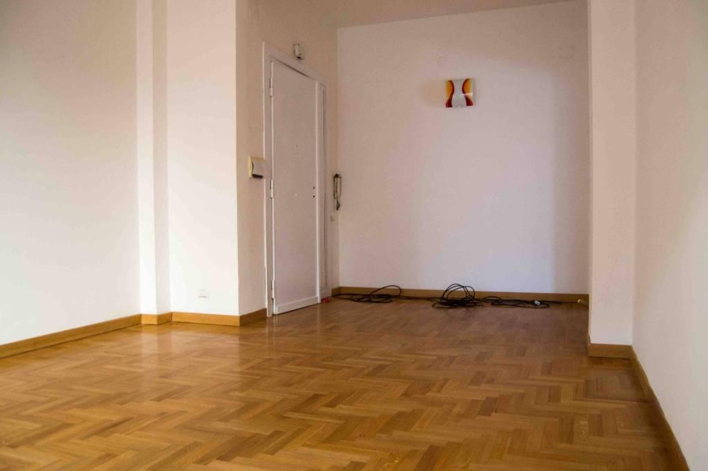 Appartamento in ottime condizioni in affitto Rif. 7861192