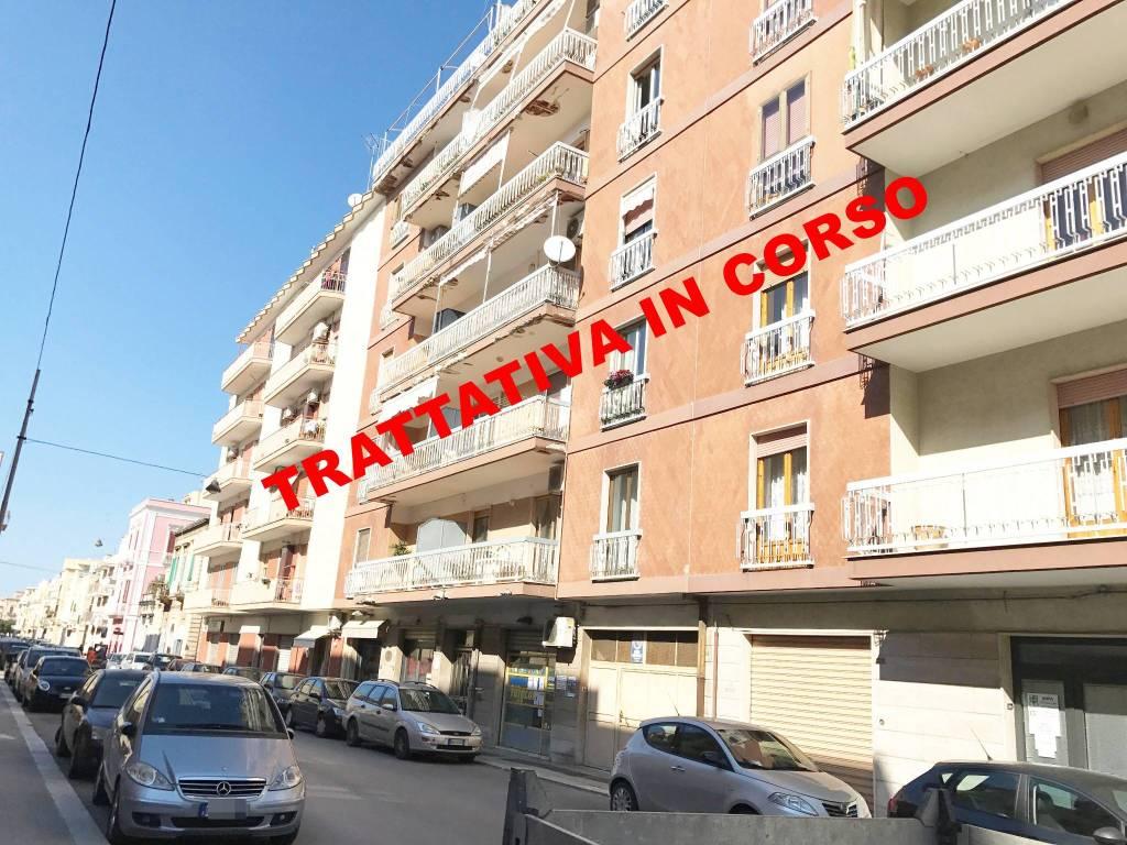 Appartamento in buone condizioni in vendita Rif. 9163159