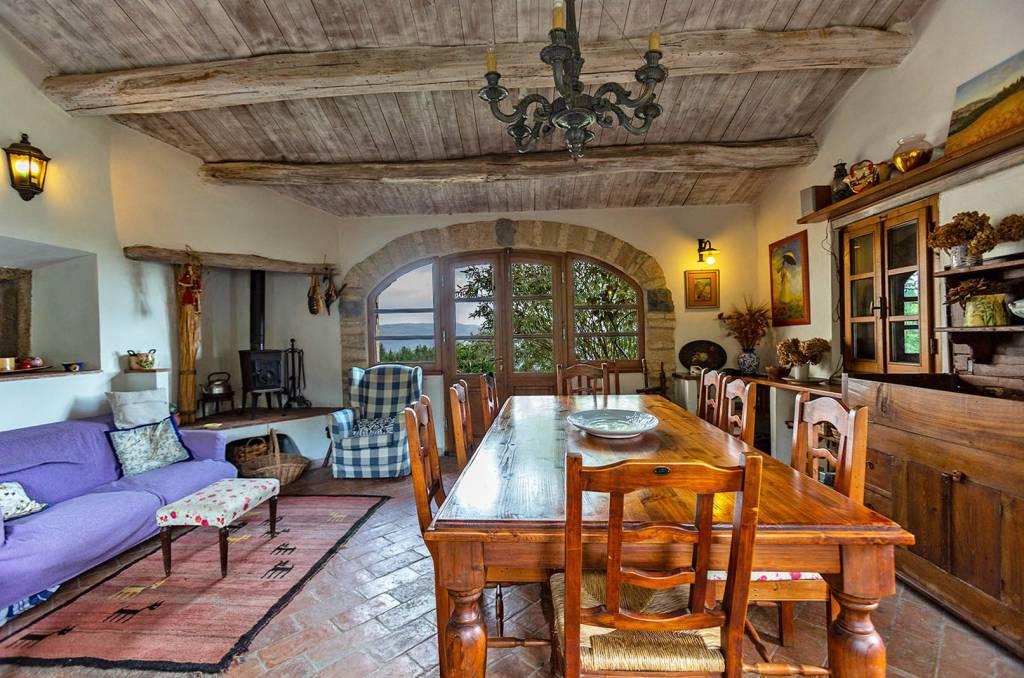 Rustico / Casale in ottime condizioni in vendita Rif. 8442589