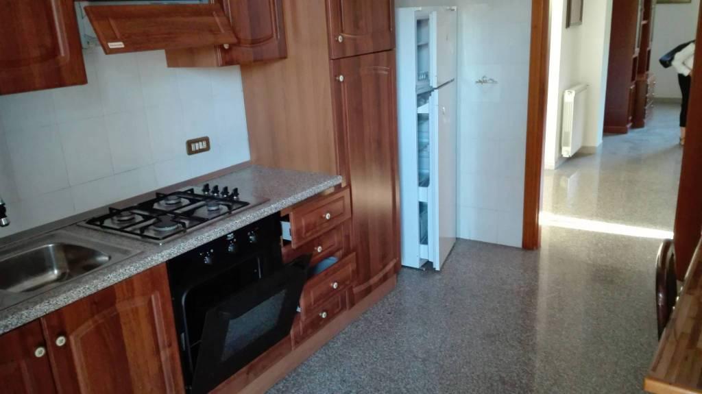 Appartamento in buone condizioni arredato in affitto Rif. 7858087