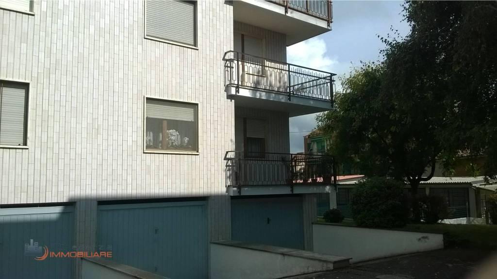 Appartamento in buone condizioni arredato in affitto Rif. 7861741