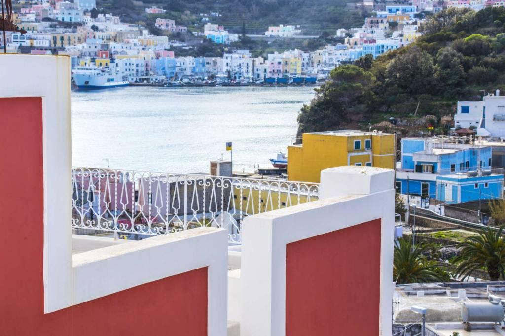 Appartamento in ottime condizioni arredato in vendita Rif. 7856855