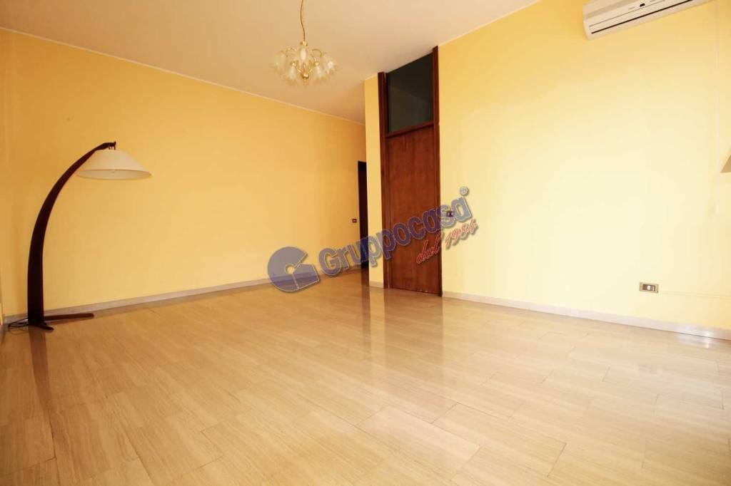 Appartamento in buone condizioni parzialmente arredato in vendita Rif. 7856646