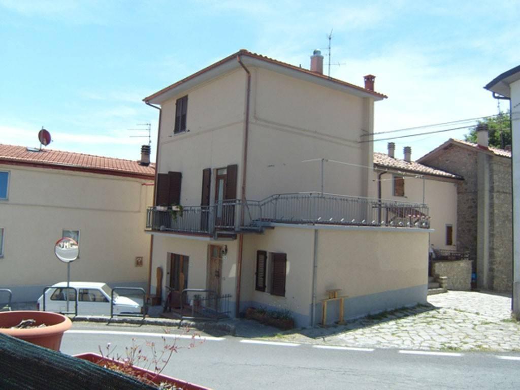 Casa Indipendente in buone condizioni arredato in vendita Rif. 7857646