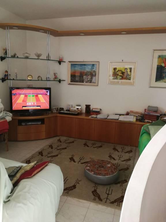 Appartamento in ottime condizioni in vendita Rif. 7860201