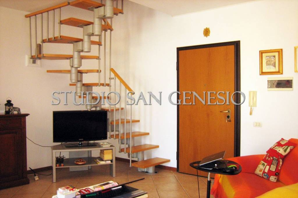 Appartamento in buone condizioni in vendita Rif. 7859490