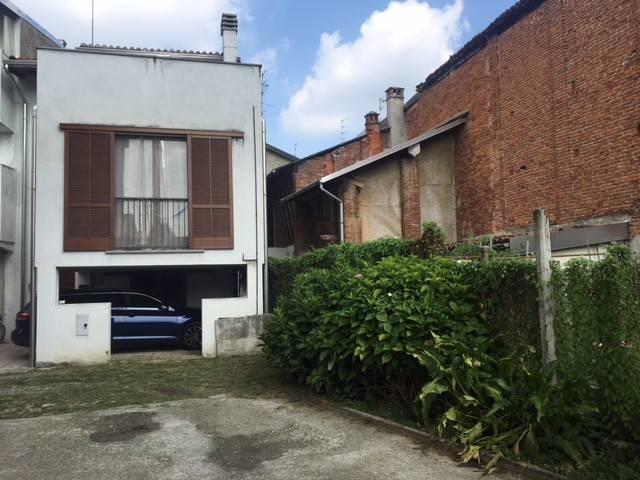 Appartamento in ottime condizioni parzialmente arredato in affitto Rif. 7858080