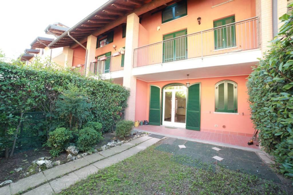 Villetta a schiera in ottime condizioni in vendita Rif. 4858457