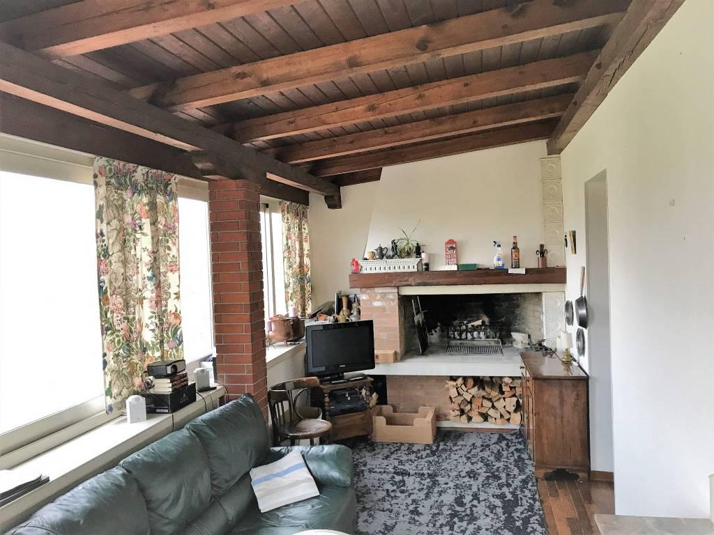 Appartamento in buone condizioni parzialmente arredato in vendita Rif. 8063855