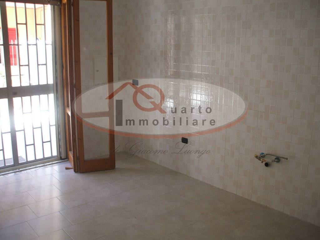 Appartamento in buone condizioni in affitto Rif. 7858939