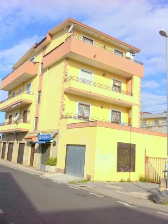 Appartamento in buone condizioni in affitto Rif. 7859300